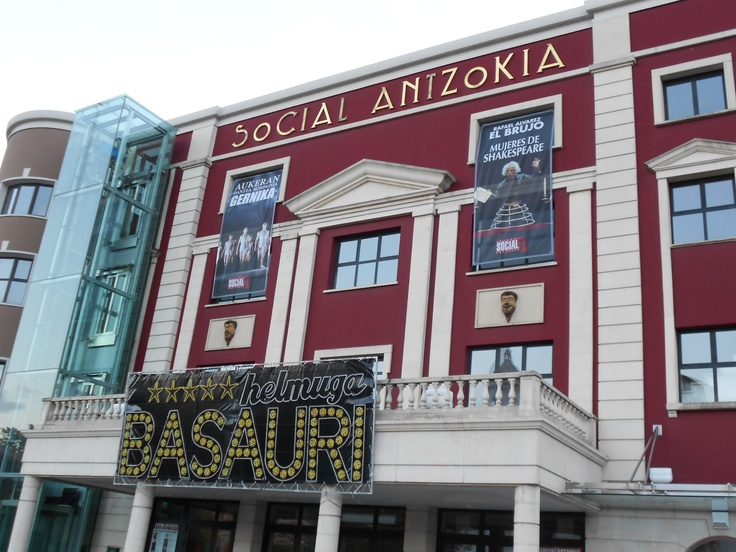 CoolCards. Teatro Social Antzokia, Basauri. C/ Nagusia