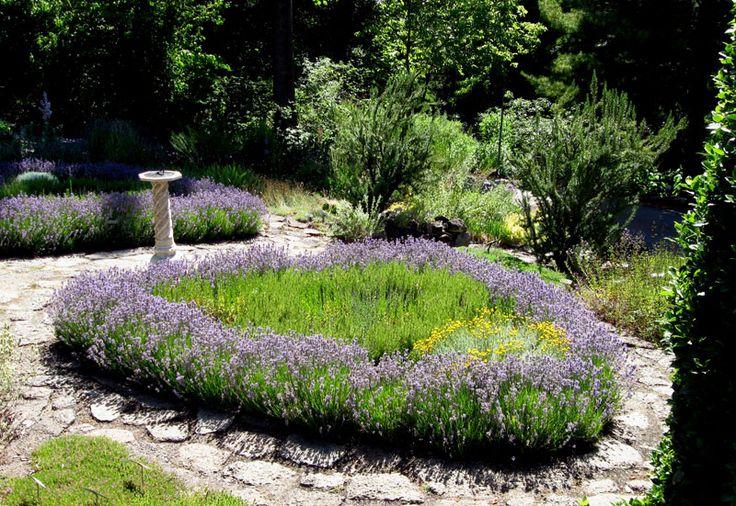 loose knot garden via www.pithandvigor.com