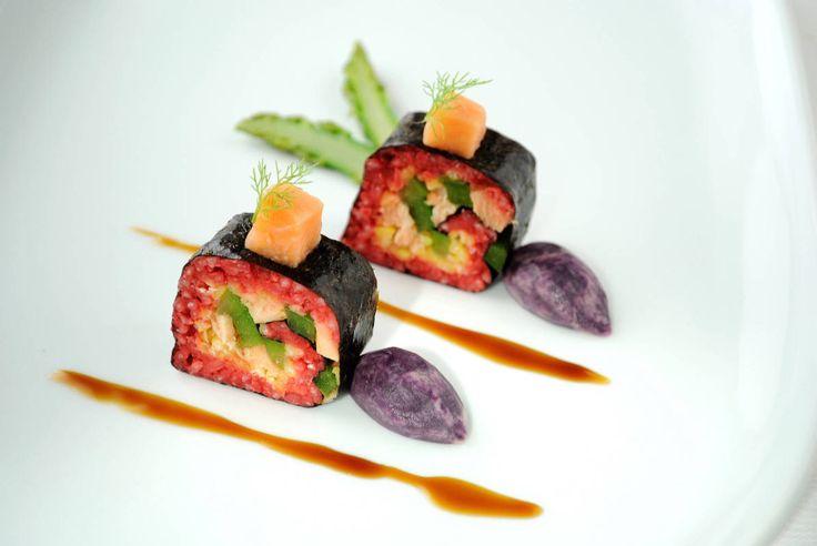 Lazacos-paprikás mini sushi-tekercs