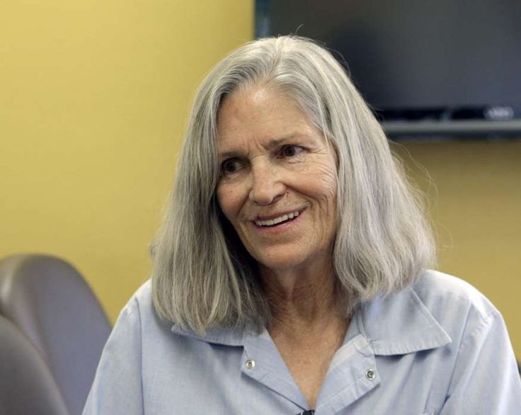 """In this April 14, 2016 file photo, former Charles Manson follower Leslie Van Houten confers with her attorney Rich Pfeiffer, not shown, during a break from her hearing before the California Board of Parole Hearings at the California Institution for Women in Chino, Calif. California Gov. Jerry Brown is denying parole for Van Houten, the youngest follower of murderous cult leader Charles Manson. The Democratic governor said Friday, July 22, 2016, Van Houten's """"inability to explain her willing…"""