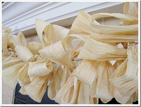 15 Fall Garland Ideas {DIY Decor} -   EverythingEtsy.com   #fall garland ideas,  #fall garland