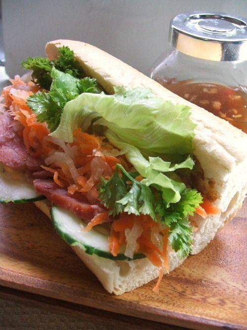 ベトナムのヘルシーサンドイッチ「バインミー」を作ろう! - Locari ... レバーペーストdeバインミーレシピ