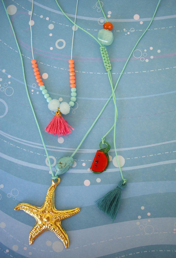 Κρεμαστά με καλοκαιρινά διακοσμητικά.  Το μήκος ρυθμίζεται. Κωδικός: 27046/1 #jewelleryfromourheart #jewellery #thessaloniki #accessories #pendants #colours #charms #new #spring #ss2016 #summer #tassel #starfish #watermelon
