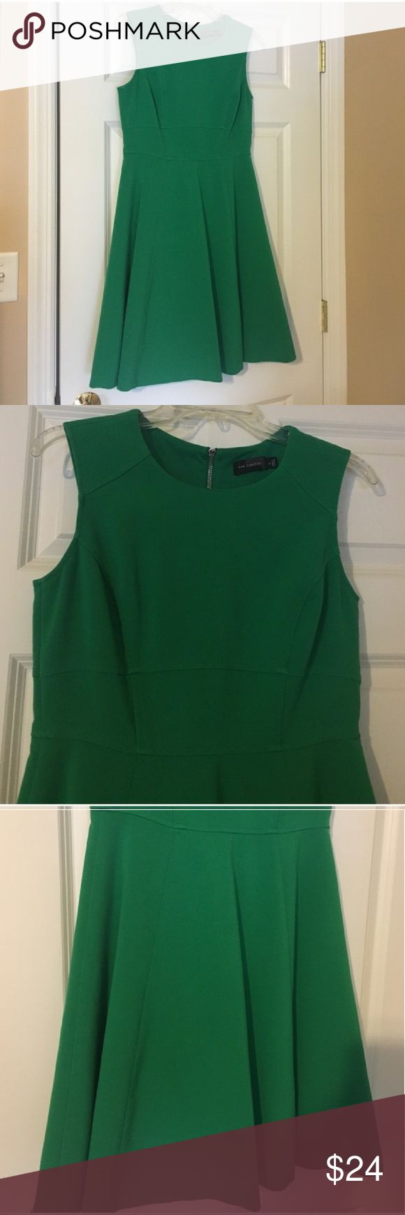 """Kelly Green Dress by The Limited 4 Small Knee Beautiful dress, I hate to part with it but it is just a bit too big. Size 4. Sleeveless and knee length.   Total length 35-1/2""""  Used to work in an office and now I work from home. Listing lots so being brief but I answer questions promptly! :) The Limited Dresses Midi"""