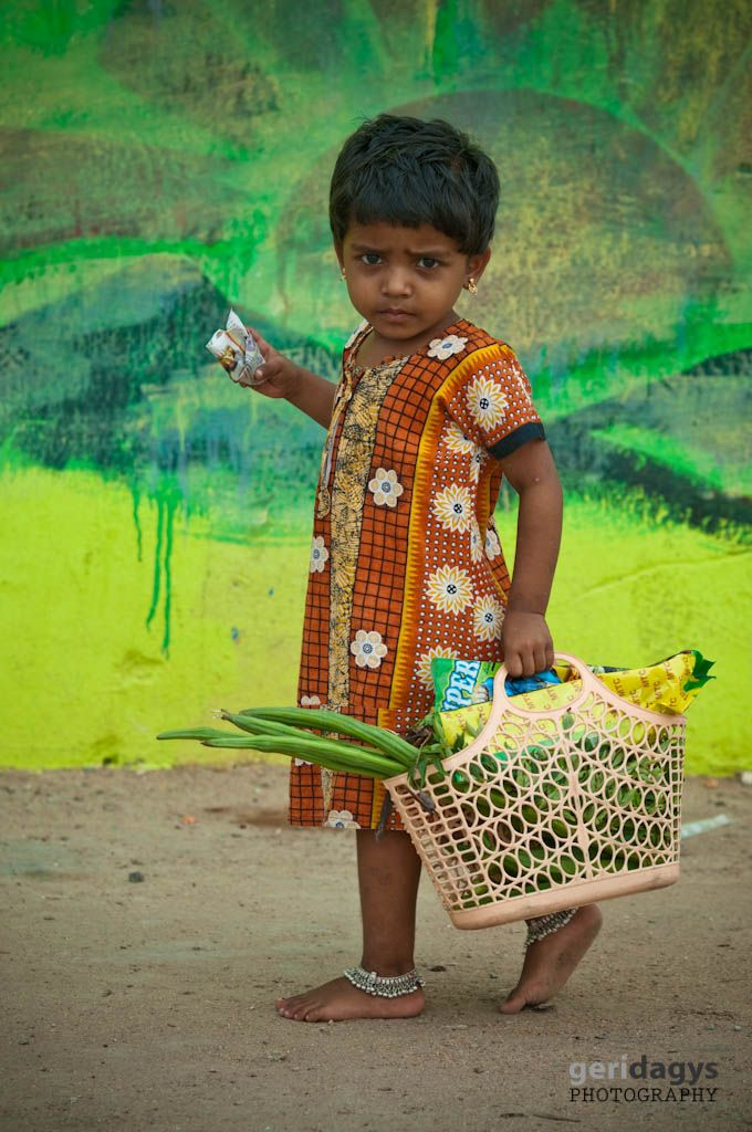 Girl comes from the market. Tamil Nadu ღϠ₡ღ✻↞❁✦彡●⊱❊⊰✦❁ ڿڰۣ❁ ℓα-ℓα-ℓα вσηηє νιє ♡༺✿༻♡·✳︎· ❀‿ ❀ ·✳︎· TUE Aug 30, 2016 ✨ gυяυ ✤ॐ ✧⚜✧ ❦♥⭐♢∘❃♦♡❊ нανє α ηι¢є ∂αу ❊ღ༺✿༻♡♥♫ ~*~ ♪ ♥✫❁✦⊱❊⊰●彡✦❁↠ ஜℓvஜ