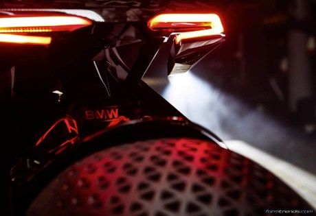 BMW Motorrad Vision Next 100 rear lamp and tire design