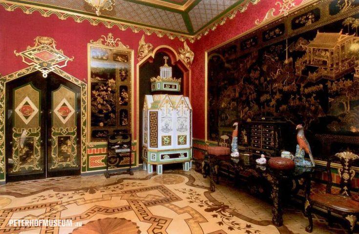 Центром Петергофского ансамбля является Большой дворец – «коронная» резиденция русских  императоров. Восточный китайский кабинет.