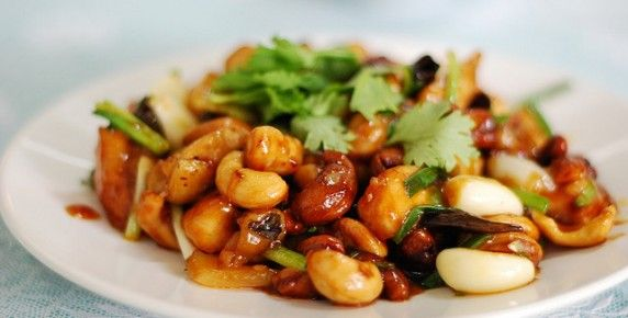 Stir Fried Chicken with Cashew Nuts (Thai Food)