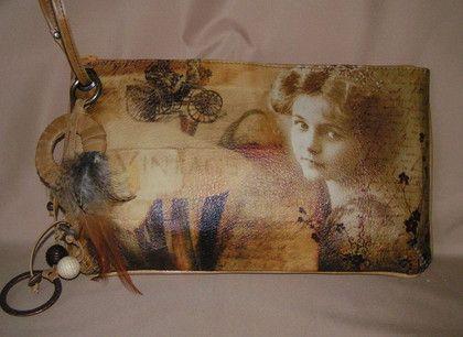 Клатч `Винтаж`. Клатч с рисунком (шелкография).  Подкладка ткань с карманом и карманчиком под телефон.