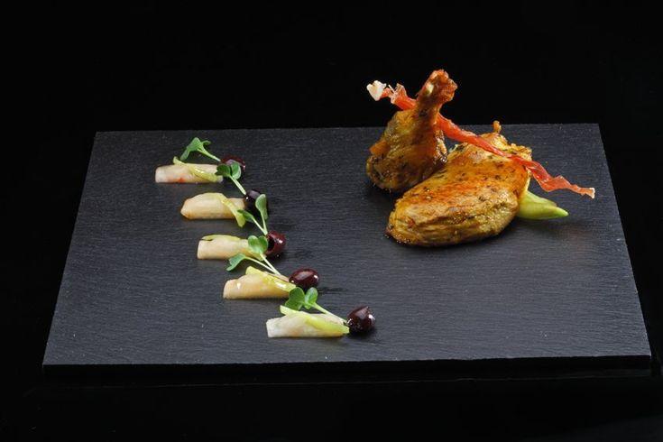 Krokante fazantfilet Ras el Hanout met gekruide couscous, witte wilde perzik, Turkse paprika en Daikon Cress