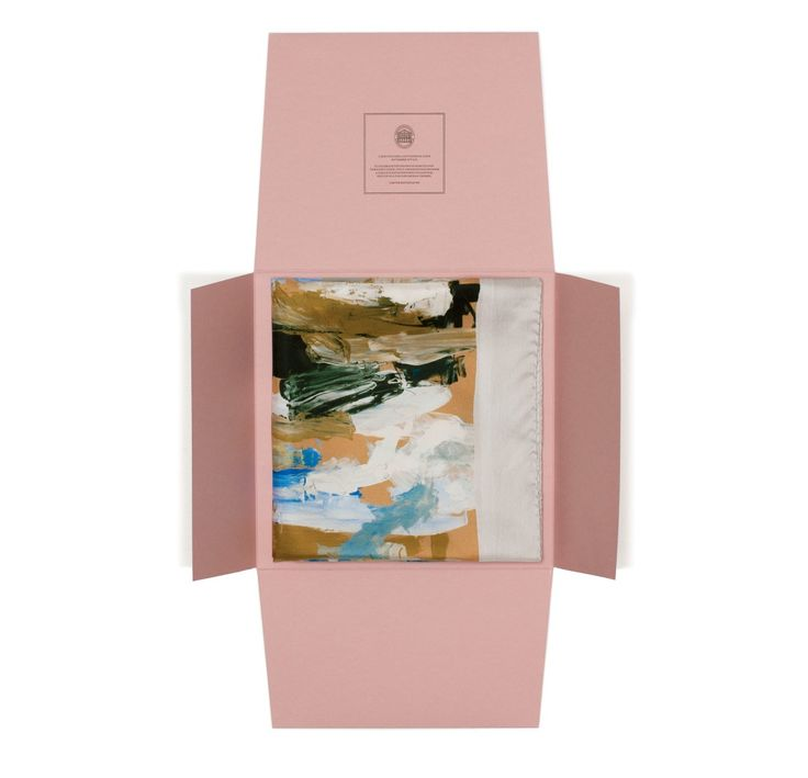 Acne scarf packaging