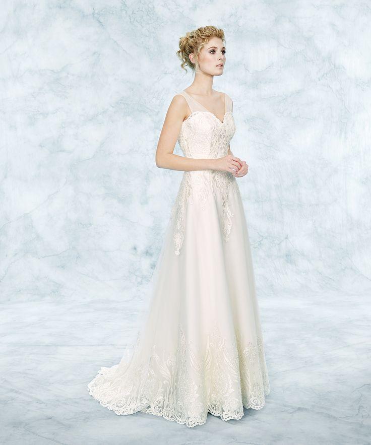 Fiorinda le Spose di Carlo Pignatelli 2017. #carlopignatelli #sposa #bride #weddingdress #bridalgown #weddingday #matrimonio
