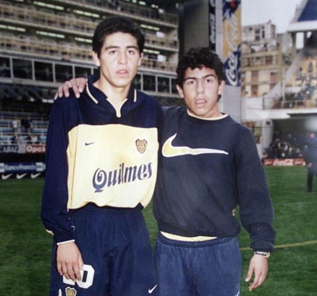 Roman y el ancanzapelotas Tevez