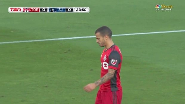 #MLS  CHANCE: Sebastian Giovinco fires a shot over the bar