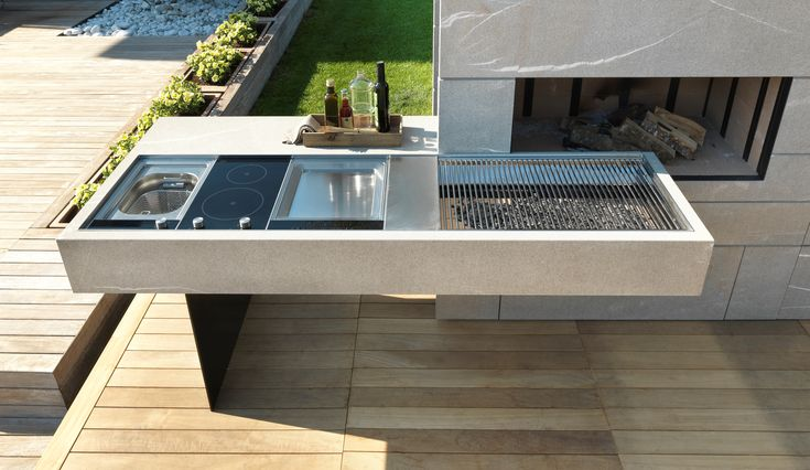 WELCOME SPRING! BBQ like a king ... We can make this easy for you with the release of Modulnova's stunning new outdoor kitchen design.   Head to our website for more details - link in bio.