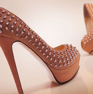 ❤ NANDO MUZI #Pumps. nabuk with metal applications ❤ Love it or hate it ❤check the link ❤ http://goo.gl/Qs0M16 ❤