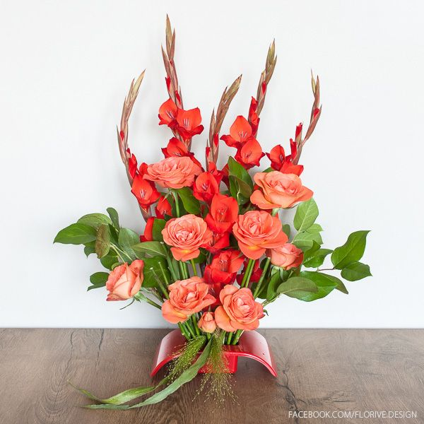 Flower arrangement on the table