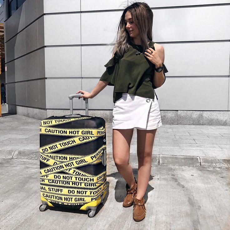 """100 Likes, 3 Comments - Iulia Constantin GLammYdiy.com (@giuly.ctin) on Instagram: """"Când vântul îți flutura parul și ai uitat sa îți calci pantalonii 😂 dar te bucuri ca in sfârșit…"""""""