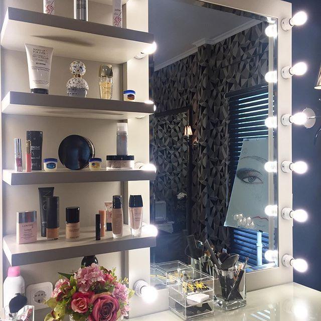 Sneak peek dari ruangan Beauty Studio di dalam Casagaya Studio yang baru saja dibuka hari ini. Casagaya Studio adalah one stop wellness studio yang menawarkan pusat kebugaran kecantikan serta styling pada satu tempat.  via HARPER'S BAZAAR INDONESIA MAGAZINE OFFICIAL INSTAGRAM - Fashion Campaigns  Haute Couture  Advertising  Editorial Photography  Magazine Cover Designs  Supermodels  Runway Models