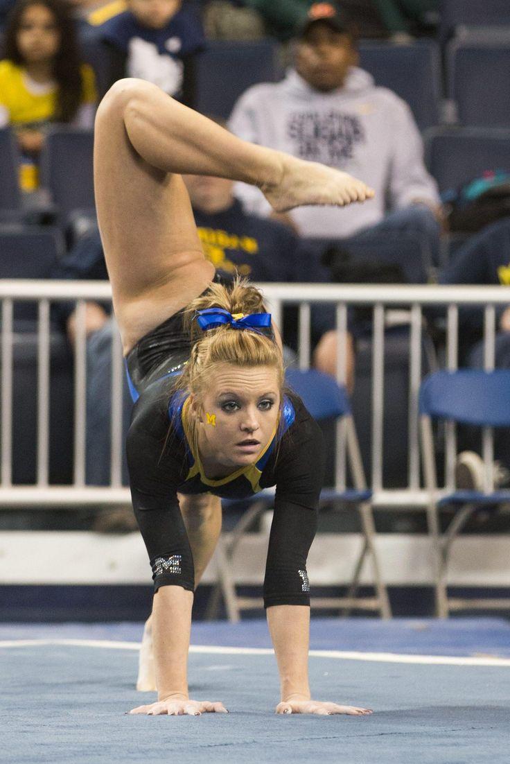 Image forward roll jpg gymnastics wiki - Ar 150419117 Jpg 1487 2228