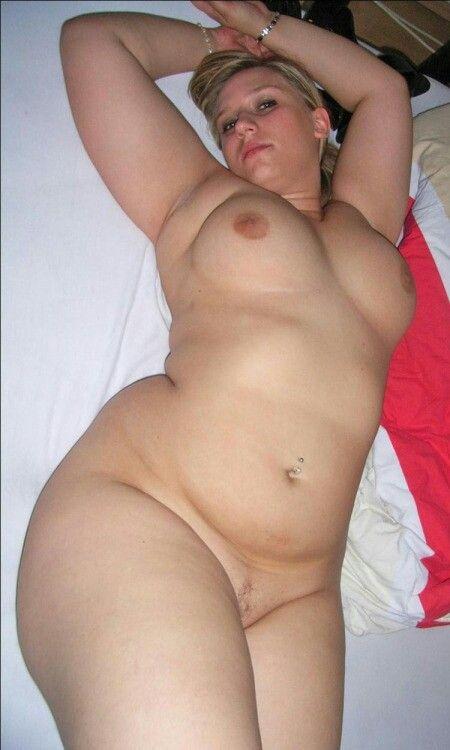 I LOOKING 4 BIG FAT SEXY LESBIANS