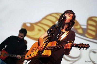 """Com entrada gratuita, o projeto Prata da Casa do SESC Pompéia recebe nesta terça, 23, a cantora e compositora Lulina. A artista lançou no final de 2009 o seu primeiro álbum de estúdio """"Cristalina"""" e deve apresentar canções dele e de seus discos caseiros como """"Cochilândia"""", """"Bolhas na Pleura"""" e """"Sangue de ET"""". """"Boa parte...<br /><a class=""""more-link"""" href=""""https://catracalivre.com.br/geral/agenda/barato/lulina-toca-no-prata-da-casa-no-dia-23-de-fevereiro/"""">Continue lendo »</a>"""