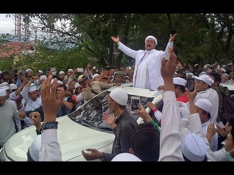 Pidato Habib Rizieq FPI Usai Diperiksa di POLDA JABAR Disambut Laskar FPI