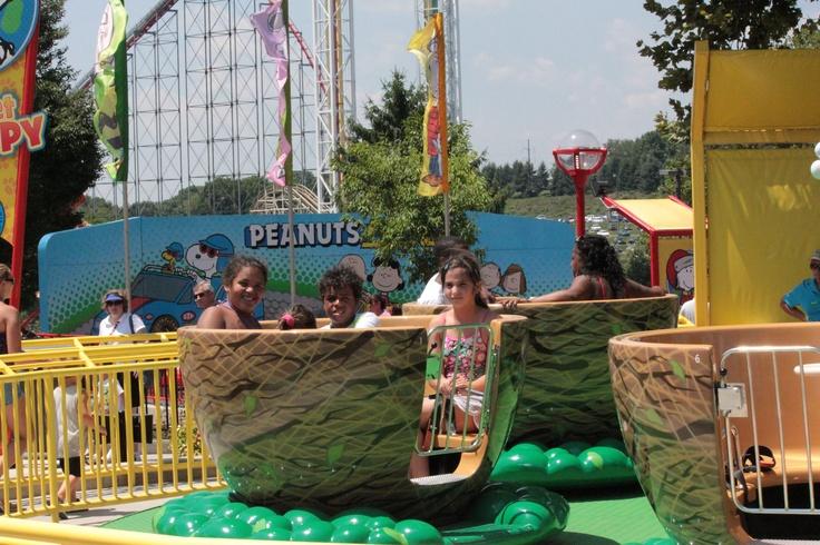 Woodstock Whirlybirds - Planet Snoopy - Dorney Park