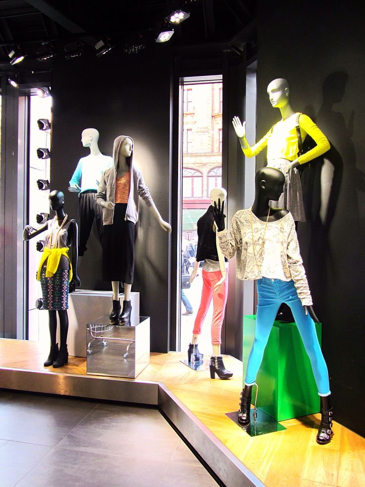 Topshop Knightsbridge mannequin styling