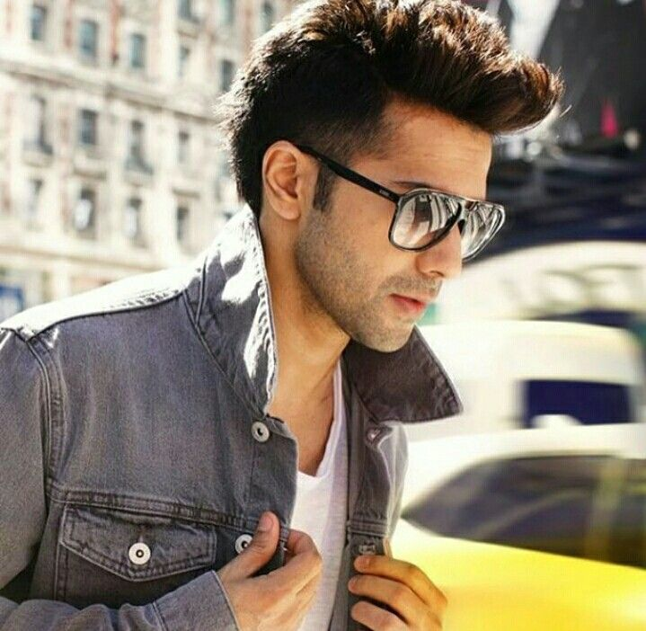 One should learn how to look sophisticated from Varun dhavan