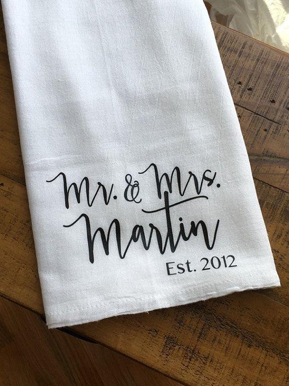 Personalized Mr and Mrs Kitchen Towel – Custom Wedding Gift – Bridal Shower Gift – Housewarming – Fl