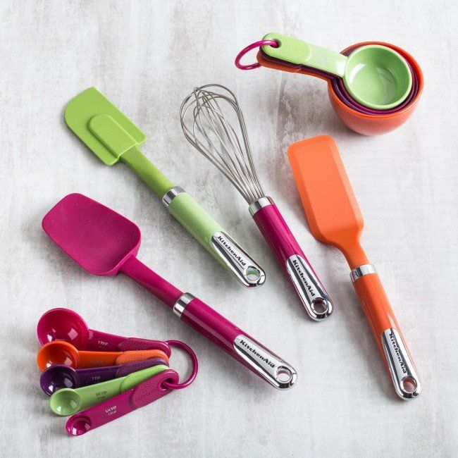 KitchenAid brings exceptional quality and value to this gift set for the novel or experienced baker.