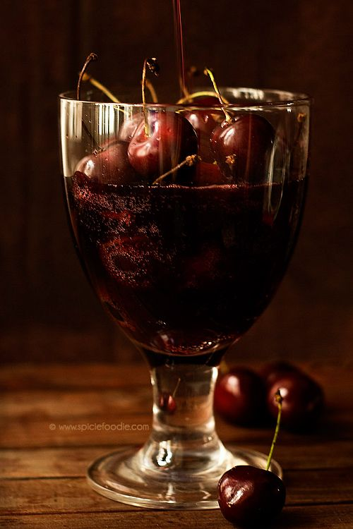 Black Cherry Wine: The Best Summer Drink (recipe included) #samhain