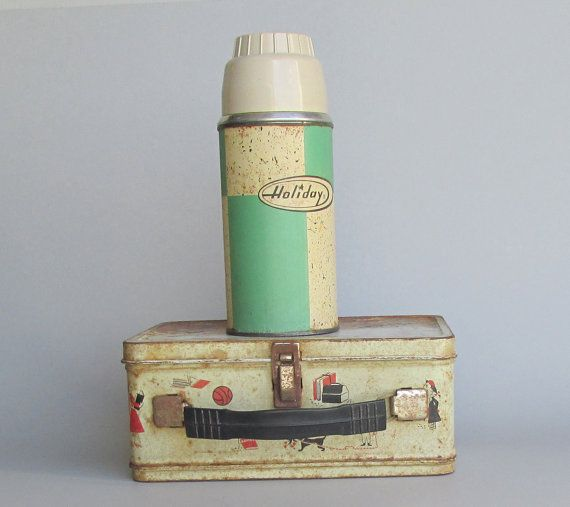 2 pieces  Vintage metal lunch box with thermos by TheWillies