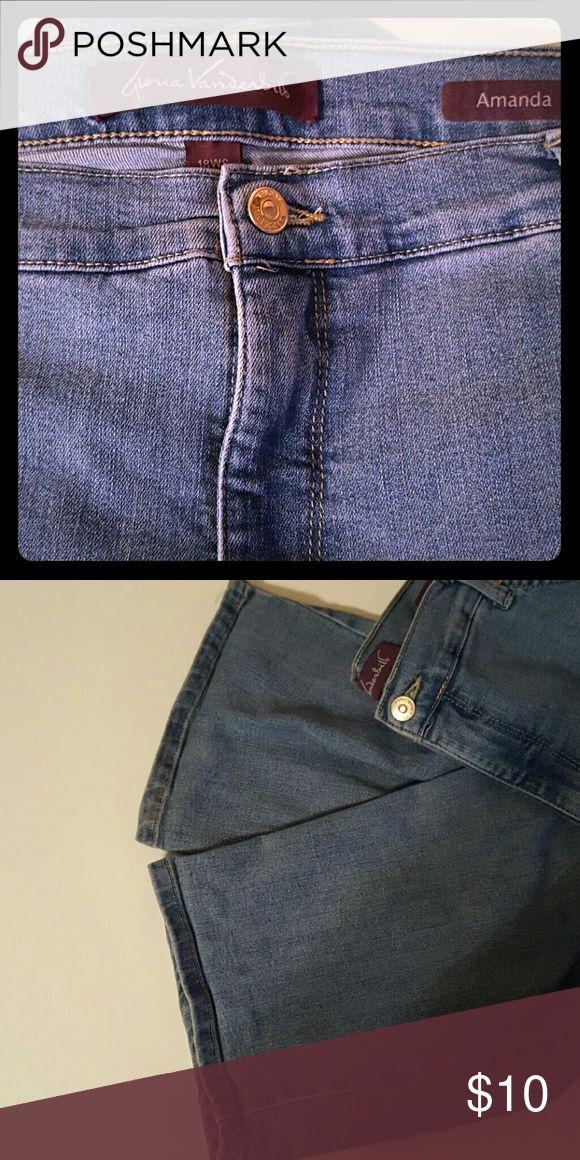 Gloria Vanderbilt Amanda jeans, size 18 WS. Gloria Vanderbilt Amanda jeans, size 18W Short. Light wash denim Gloria Vanderbilt Jeans