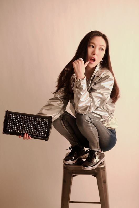 Korea feminine clothing Store [SOIR] Interstellar Jumper -> 86400 / Size : Free / Price : 69.28USD #korea #fashion #style #fashionshop #soir #feminine #special #jacket #silver #casual #unique