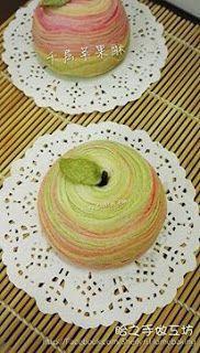 Apple flaky thousand layer swirl pastries 眙之烘培@lovelife: 苹果造型千层酥月饼