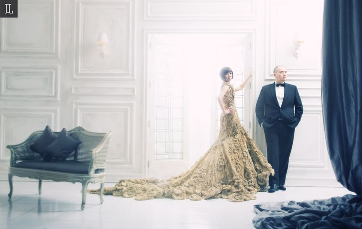 #prewedding #studio #indoor #indraleonardi #golden #gown #inspiration