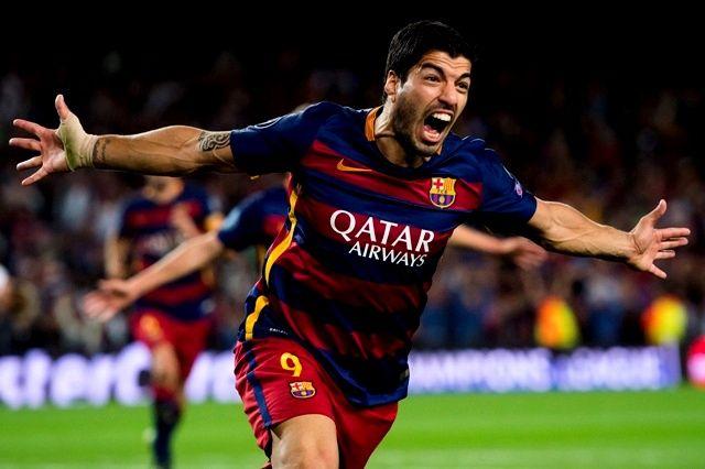 Luis Suarez Hits a Hat-Trick Against Eibar