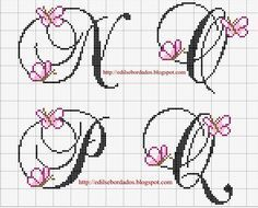 Edilse Bordados: Monograma com borboletas em ponto cruz!!!