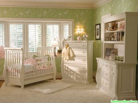 Set Kamar Bayi Bagong Mewah