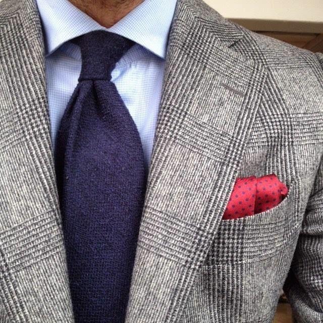 Sklep Poszetka.com   Lookbook   Dodatki do męskiej mody jedwabne poszetki, muchy, fulary, jedwabne krawaty   fular, krawat   prezent dla mężczyzny   prezent dla chłopaka   jak złożyć poszetkę   jak składać poszetkę   pocket square   handkerchief  