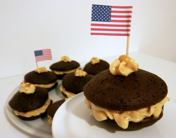 Chocolate whoopie pies with peanut butter filling