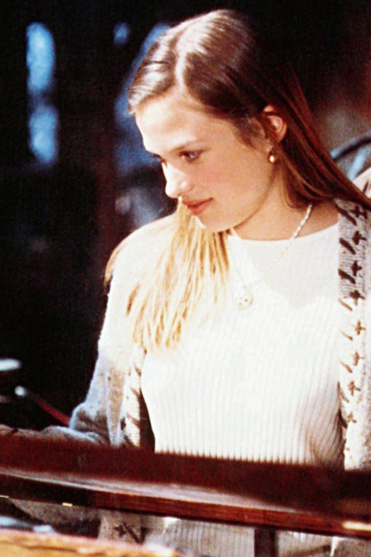 Pin for Later: What Is the Cast of Hocus Pocus Up to Now? Allison, played by Vinessa Shaw