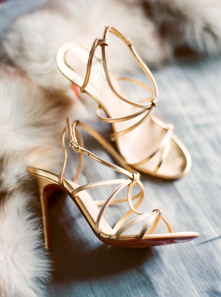 Strappy gold wedding shoes: Photography: Sally Pinera - sallypinera.com