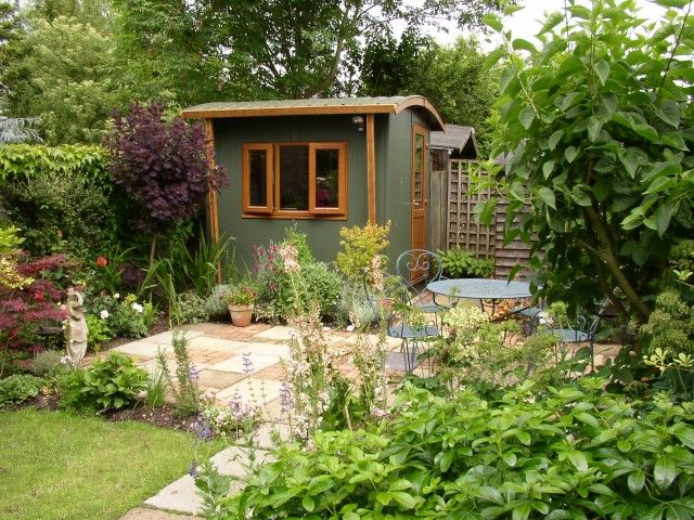 This is a classic small garden office design by Henley Garden Offices
