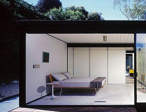 Pierre Koenig's Case Study House #21 photographed by Julius Shulman