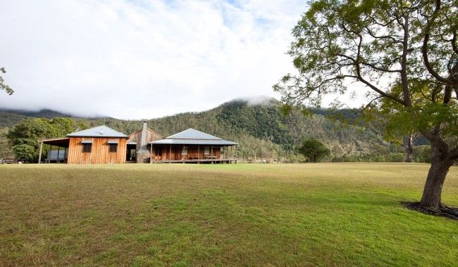 East Kunderang Homestead Holiday House - Armidale | Homesteading, Western red cedar, Architecture