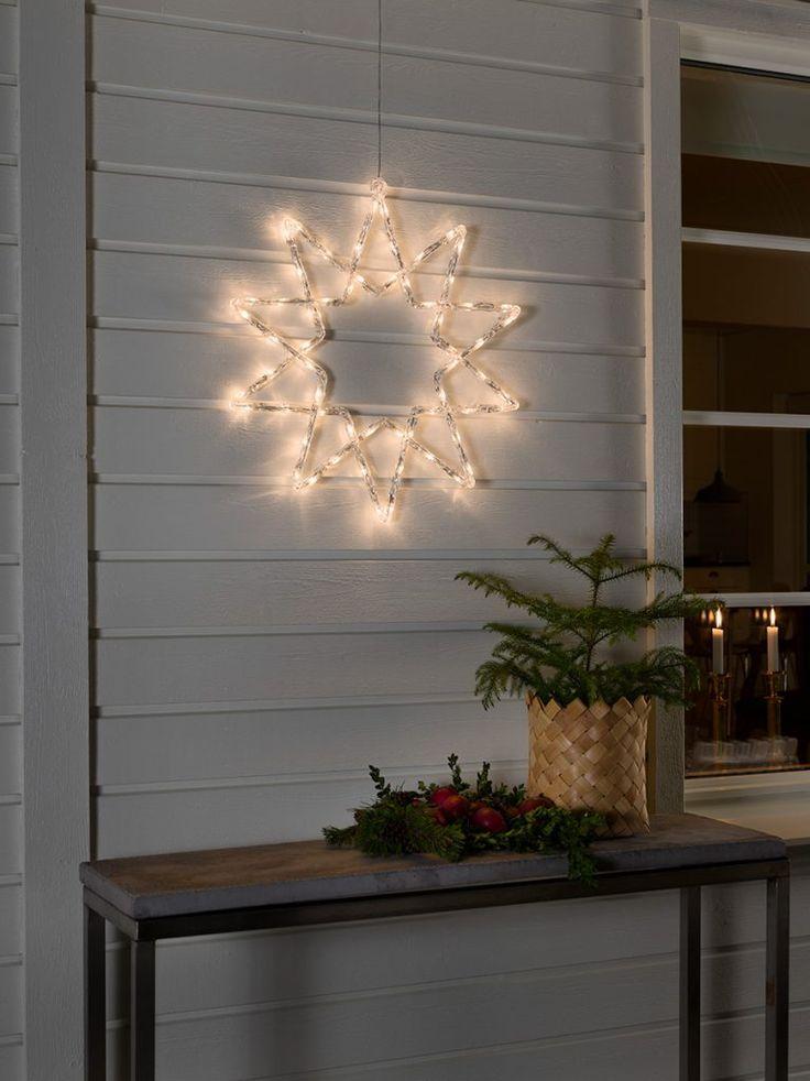 Vakker utendørs stjerne silhuett med 60 varmhvite LED fra Konstsmide. Stjernen er laget av akryl og har 10 kanter. Heng den opp på ytterveggen og la julestemningen synke inn!
