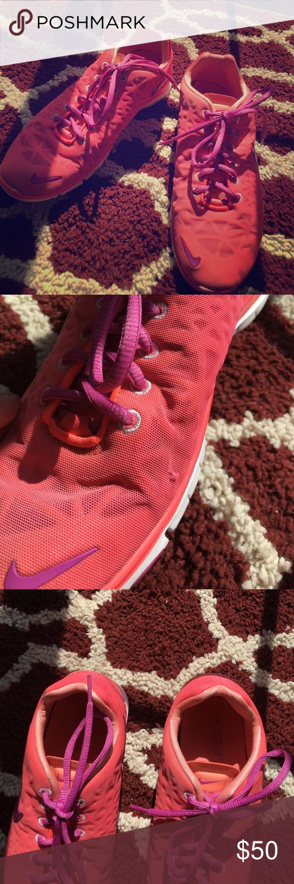 NIKE FREE TR FIT 3 Nike cross training shoes can be worn for cardio or lifting. Small nick on the side of the right foot. And a little color missing from the tip of the plastic part. Will take best bid for them. Nike Shoes Sneakers